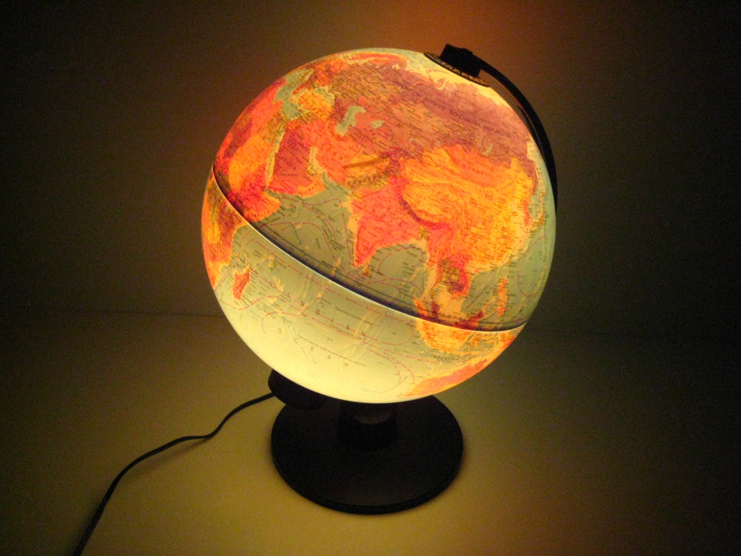 vintage scan globe a s danemark globe terrestre lumineux. Black Bedroom Furniture Sets. Home Design Ideas