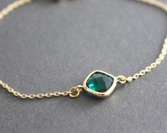 Gold framed dainty bracelet // Green