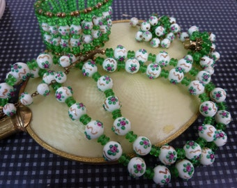 GREEN VENETIAN ROSE Italian murano wedding cake bead vintage necklace, clip-on earrings, bracelet set