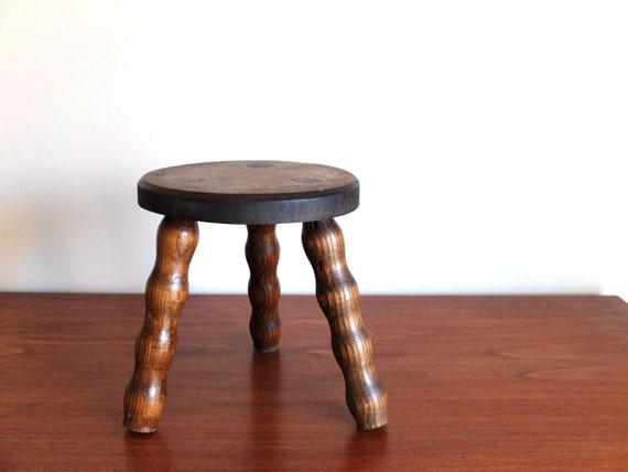 tabouret tripode ou porte plante en bois ann es 50 1950. Black Bedroom Furniture Sets. Home Design Ideas