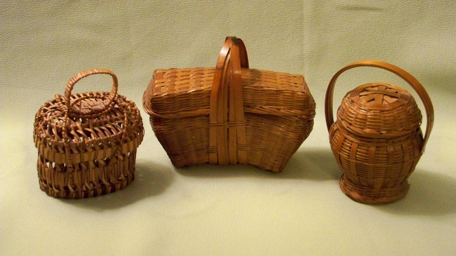 How To Weave A Mini Basket : Miniature woven baskets set of three