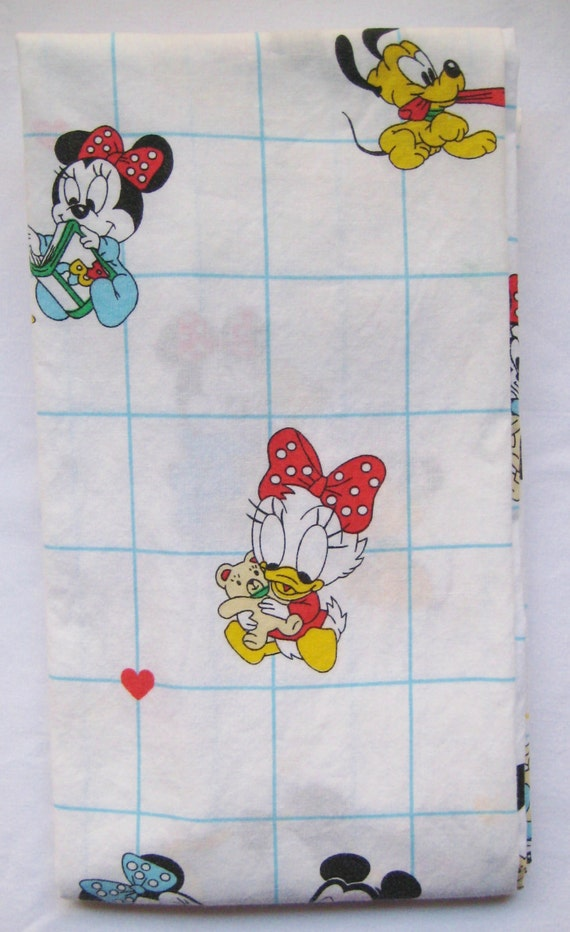 Vintage disney b b s minnie mickey mouse crib taille literie for Drap housse traduction