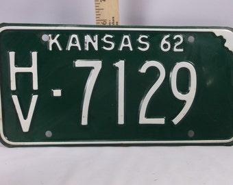 1962 kansas Car Tag Automobile Licence Plate Vintage near mint  Harvey county Kansas.epsteam