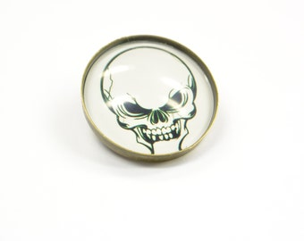 Brooch Skull