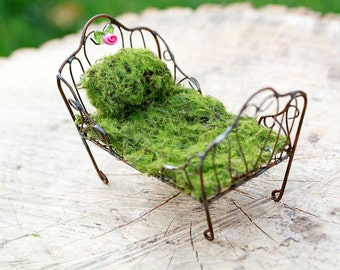 Fairy Bed furniture Day Bed miniature accessory for fairy garden accessories artificial moss handcrafted polymer clay flower
