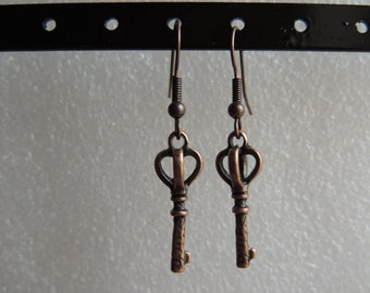 Vintage Key copper tone earrings