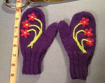 Children's Medium/Large Purple Flower Mittens