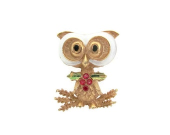 Vintage Christmas Brooch, 1960's Corel Owl Brooch, Pin, Christmas Owl Brooch, 1960's Christmas, Holiday, Owl Jewelry