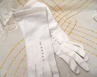 White, decorated, unlined long leather gloves /  very soft, size 6, Western Germany, washable / white wedding / 10.5 inch