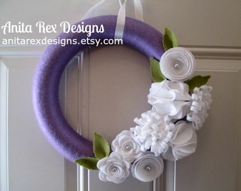 Spring Yarn Wreath, Purple Wreath, Spring Wreath, Lavender and White Felt Flowers, Spring Wreath, Easter Wreath
