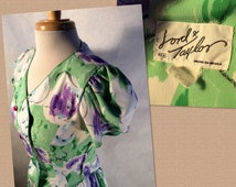 80's Lord & Taylor Dress M.R  Hecho En Mexico ( Made in Mexico ) Purple, Green, Floral Pattern. Button Front. Spring/Summer Dress