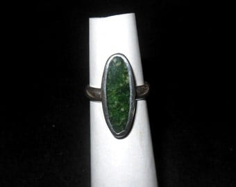 Sterling silver ring with Jade stone