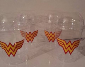 Wonder Woman 16 oz Party Favor Cups