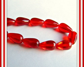Red Tear Drop glass Beads,  Fire polished beads, Red Beads, Preciosa, 20 x9.5mm 16 inch strand ,  string, 21 Beads Item #538
