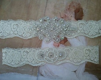 SALE-Wedding Garter, Bridal Garter, Garter Set - Crystal Rhinestone & Pearls on a Ivory Lace - Style G2300