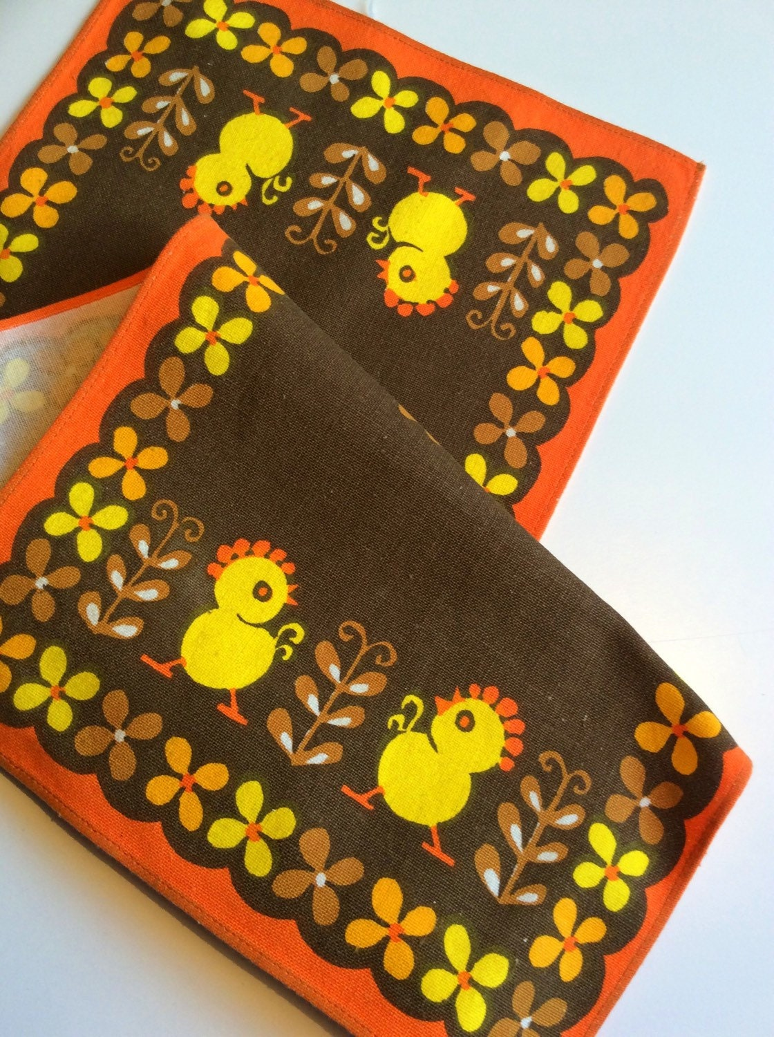 easter table runner table cloth retro 60s vintage with. Black Bedroom Furniture Sets. Home Design Ideas