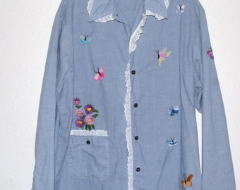 1970s Hand Embroidered Iris and Butterfly Chambray Shirt size Large to XL