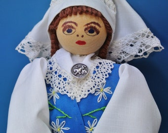 Large HANDMADE Swedish vintage 1980s souvenier doll in Sweden national dress of fabric with handembroidery