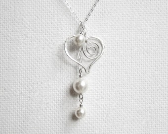 Mothers Day Necklace, Pearl Heart Necklace, Mom Heart Necklace, Mom Jewelry, Mom Pearl Necklace, Mom Gift, Hammered Heart, Mom Heart