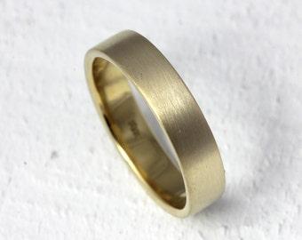 18k gold flat wedding band eco friendly gold