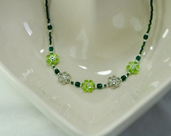 Spring Green Flower beaded necklace