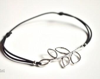 Elastic cord bracelet branch