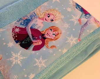 Frozen Sisters Elsa and Anna Print Sunbleached Turquoise Toddler Hooded Bath Towel