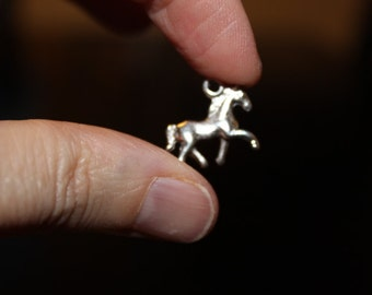 6 Tibetan style horse alloy charms/pendants, antique silver color, 16 mm x 17 mm x 4 mm, hole 2 mm, lead and cadmium free