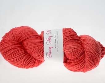 Flamingo - Stunning Superwash Fingering Weight - 100% Superwash Merino - 100 g - 475 yds
