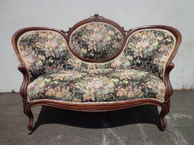 Vintage Antique Victorian Sofa Loveseat Settee French Provincial Photo Shoot Shabby Chic Seating