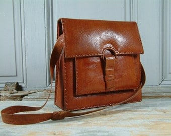 French vintage rustic leather satchel purse / shoulder bag Hand crafted. Ipad E-reader. Bohemian chic. Shabby. French Country