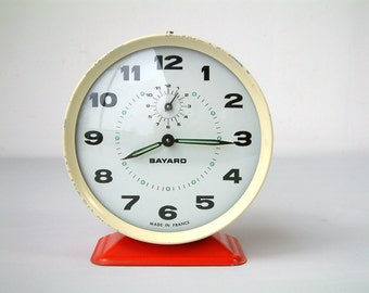 French vintage BAYARD  mechanical alarm clock. 1970s