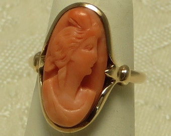 Pretty vintage antique Victorian edwardian 10k gold carved natural deep salmon coral cameo ring