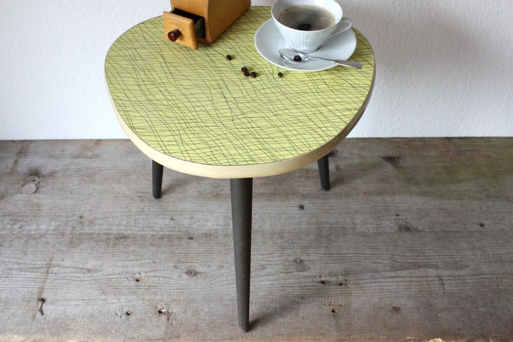 alter blumenhocker beistelltisch hocker kleiner. Black Bedroom Furniture Sets. Home Design Ideas
