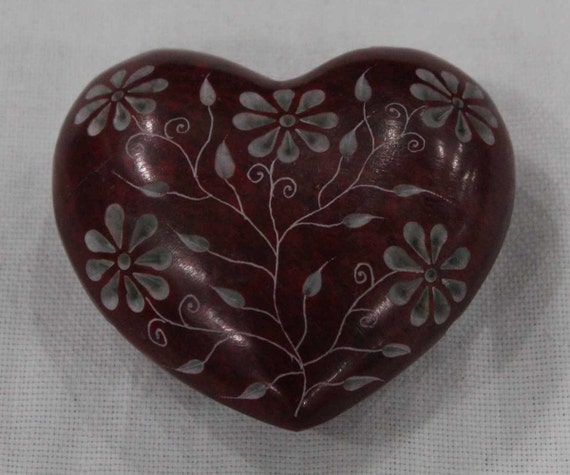 Paperweight heart shape hand carved soapstone decorative art