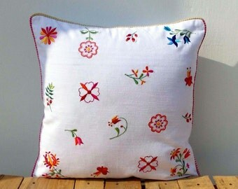 SALE 50%, White pillow cover, vintage embroidery, cotton, country look, shabby chic, size available