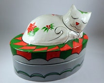 Lacquered Paper Mache Cat Box, Christmas Kitty, 10x6x7 Inches