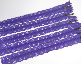 3pc zipper 40cm / 16inch purple lace closed end (Z64)