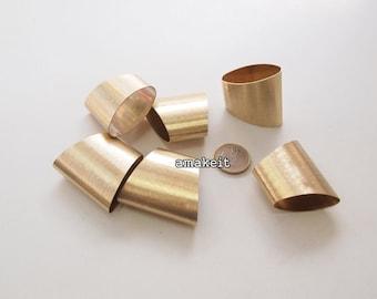 Brass bugles, 4x4.6cm, CF01679