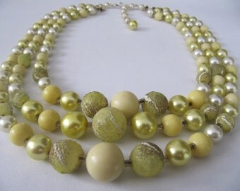 1950's Vintage 3 Strand Beaded Necklace