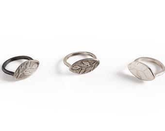 Leaf Ring, Sterling Silver Leaf ring, Silver Signet Ring, Unique Signet Ring, Oxidized Silver Ring.
