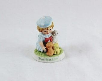 Avon 'Purr-fect Love' Tender Memories Figurine