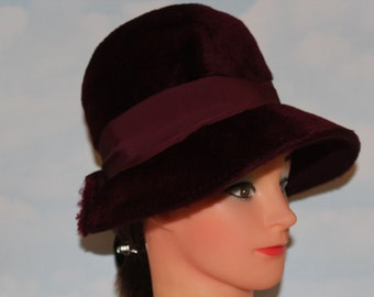 "1960s 70s 20"" Burgundy Red Wine Dome Bucket Felt Wool Hat"