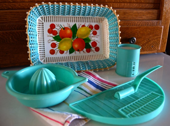 Vintage Kitchen Utensils Turquoise Plastic Reamer Basket