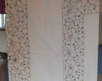 Tablecloth Cut Work Ivory Color