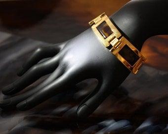 Wonderfully vintage faux tortoiseshell goldtone bracelet