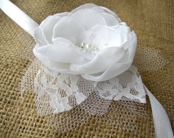 White Wrist Corsage - Lace Corsage - Wedding Prom Corsage - Mother of Bride Groom - Bridesmaids Corsages - White Lace Flower Wristlet