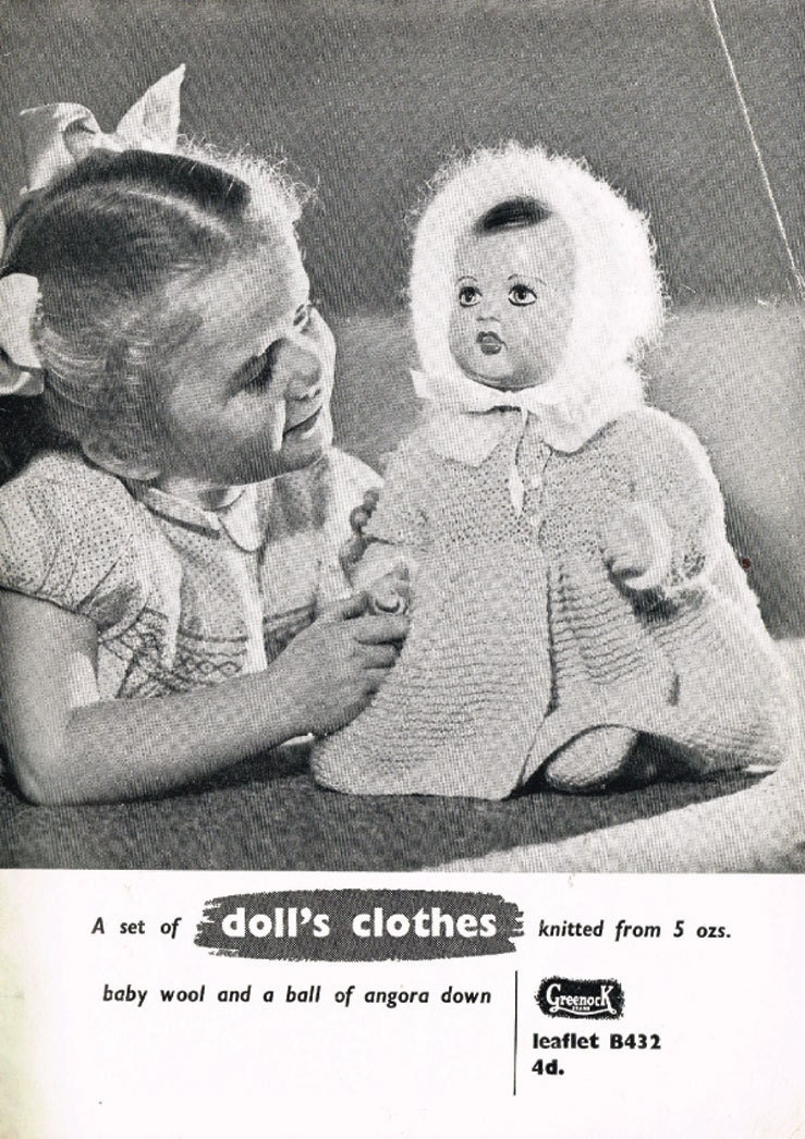 A vintage knitting pattern for a 16 inch Doll A 6 piece