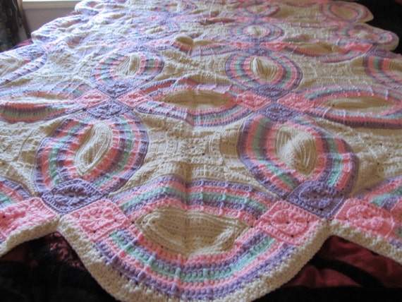 Crocheted Double Wedding Ring afghan