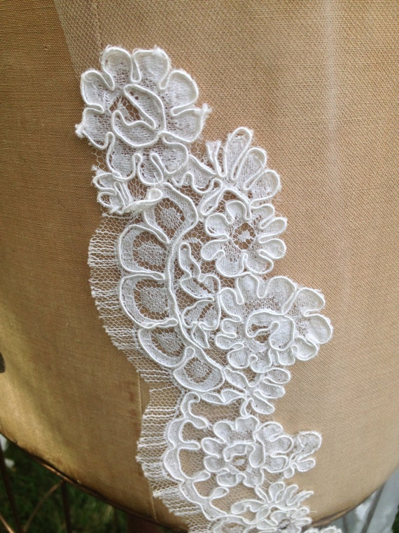 Lace Swatch , Floral Lace Swatch, Scallop Lace Swatch, Alencon Lace, Kelly Veil - SWATCH SAMPLE